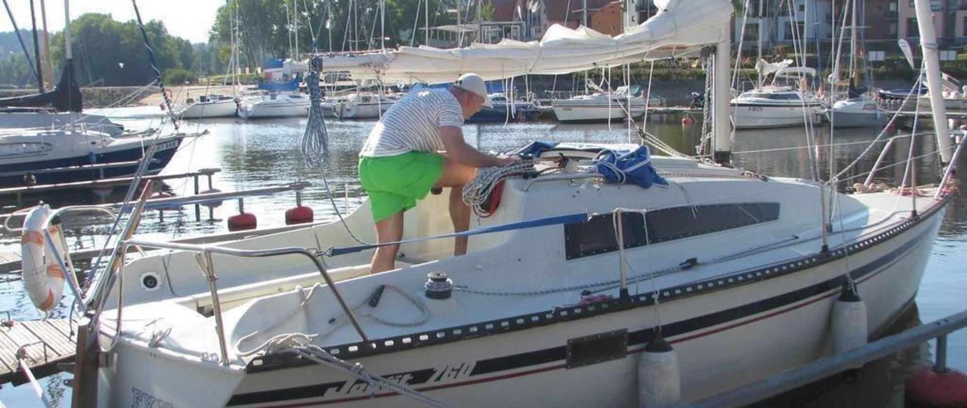 lipno-rd-ασφάλτου-ψαριού-k-svobodovci-29-8-2015-007-2.jpg