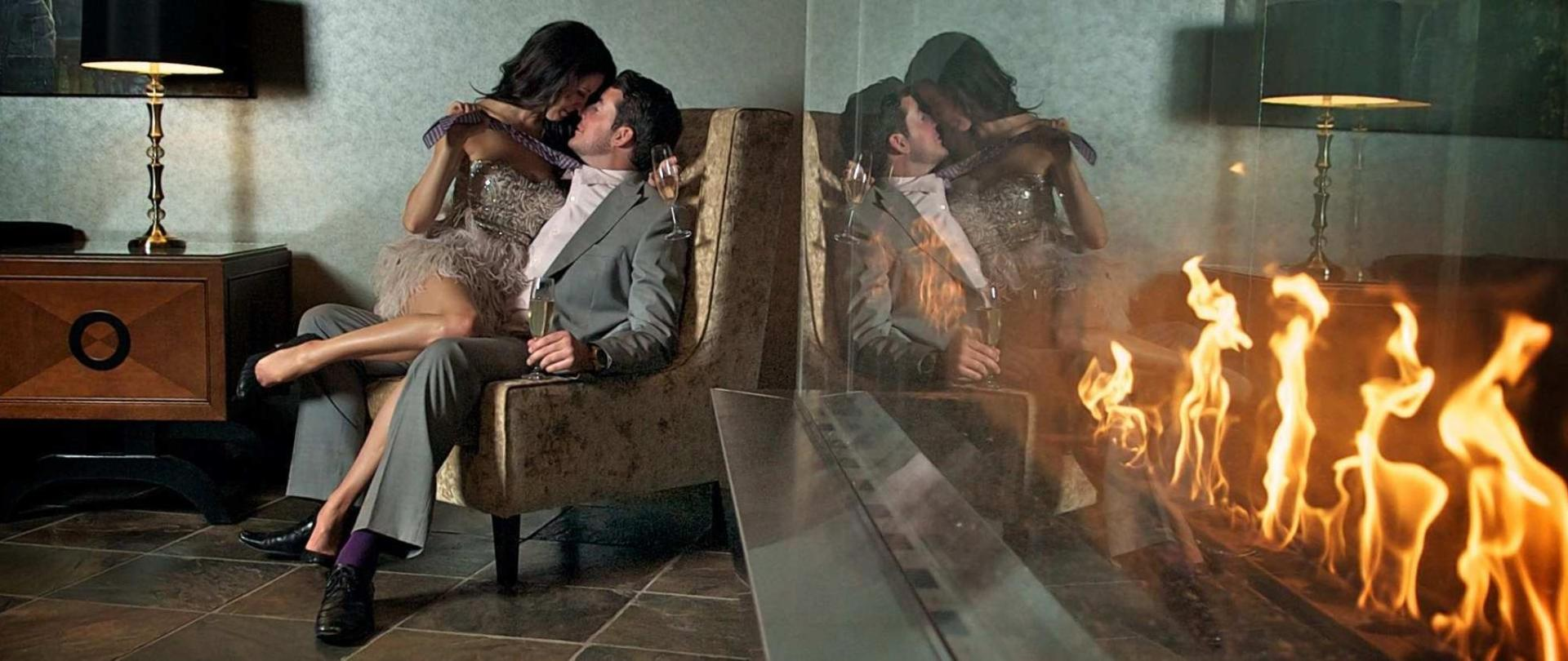 fireplace.jpg.1920x807_0_230_10000.jpg