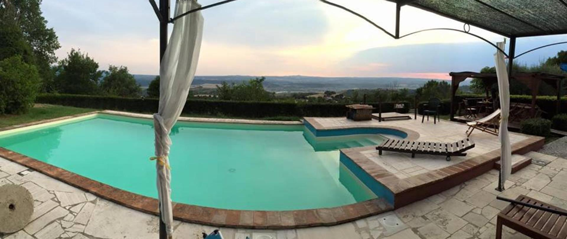 piscina e panorama.jpg