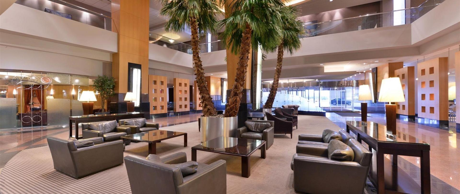 Edward Hotel & Convention Center