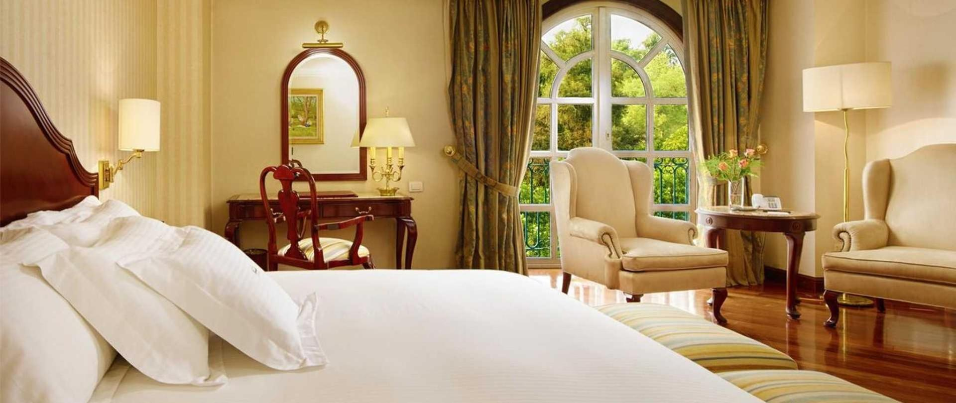El Green Park Hotel