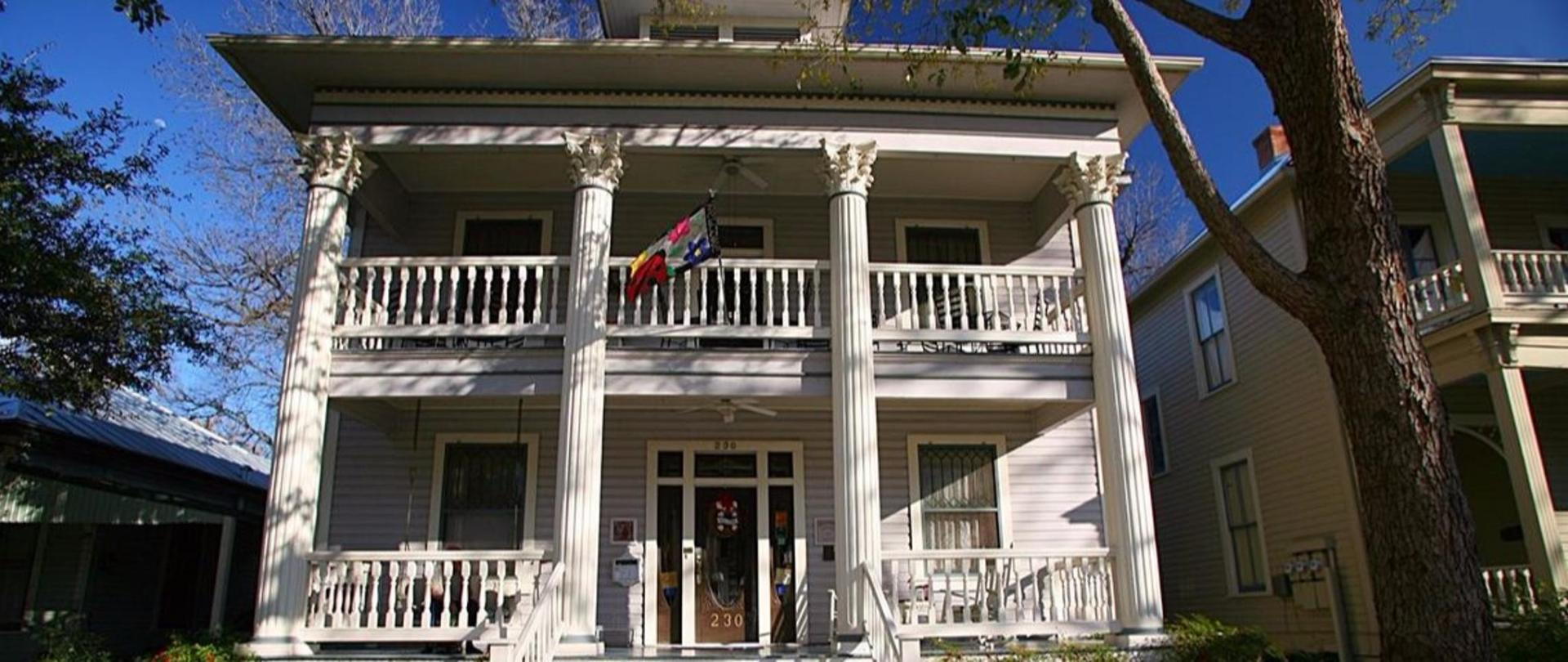 Brackenridge House Bed and Breakfast