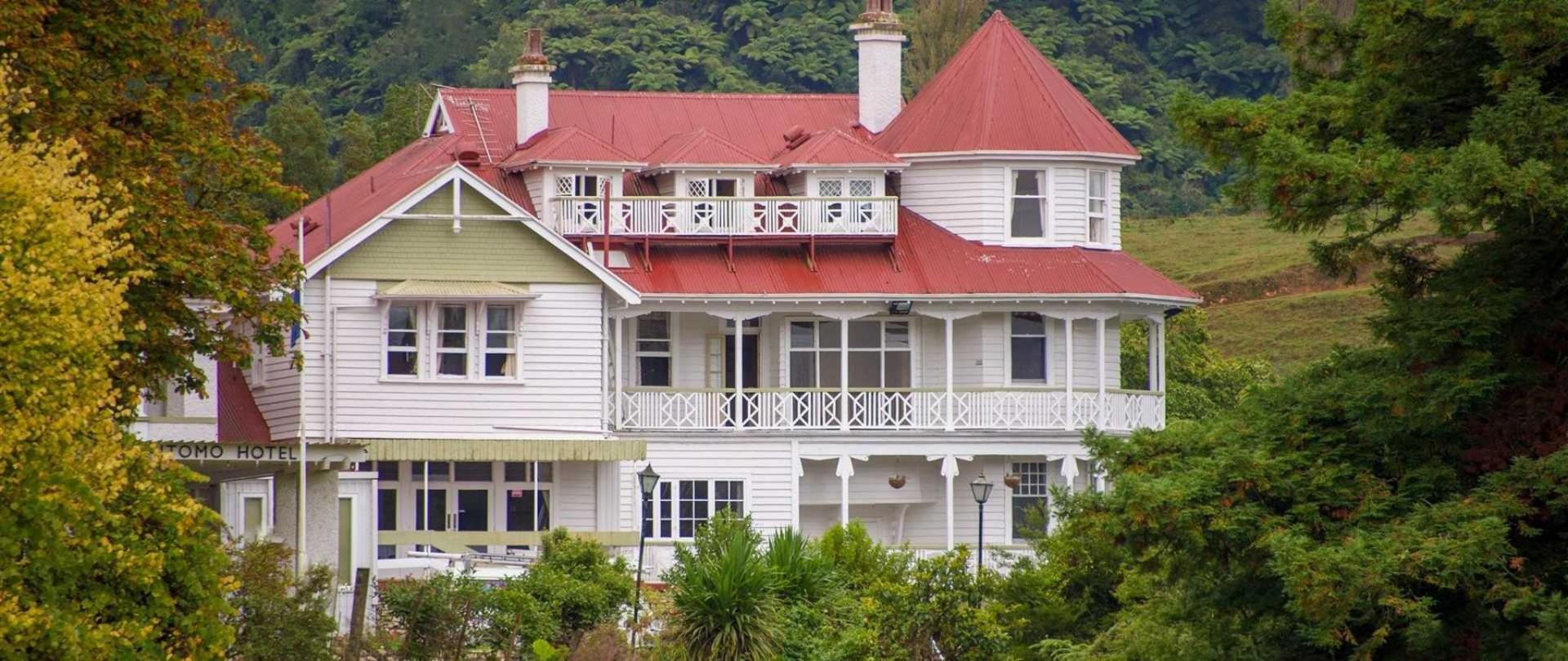 Waitomo Caves Hotel
