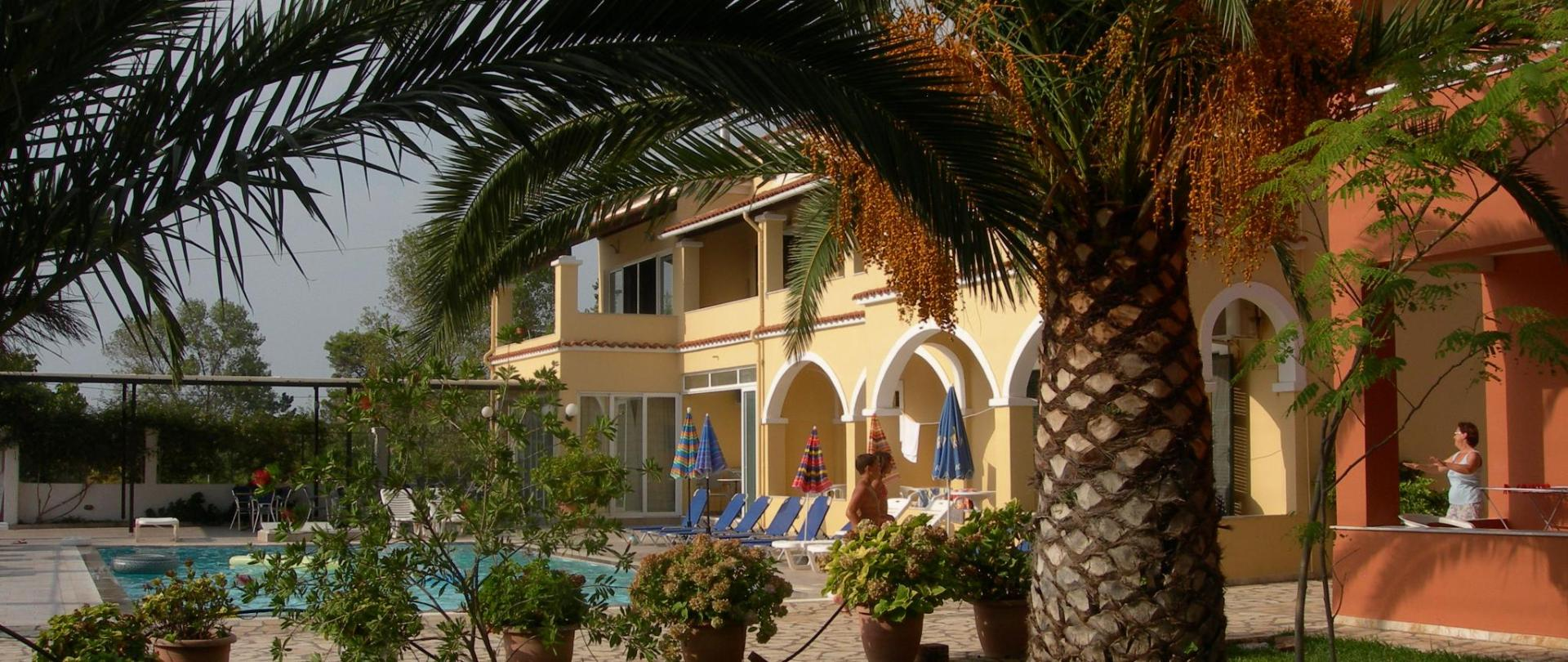 Katerina Pool Apartments