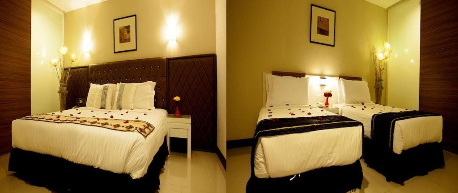 super-family-1-king-bed-2-single-connecting-room.jpg
