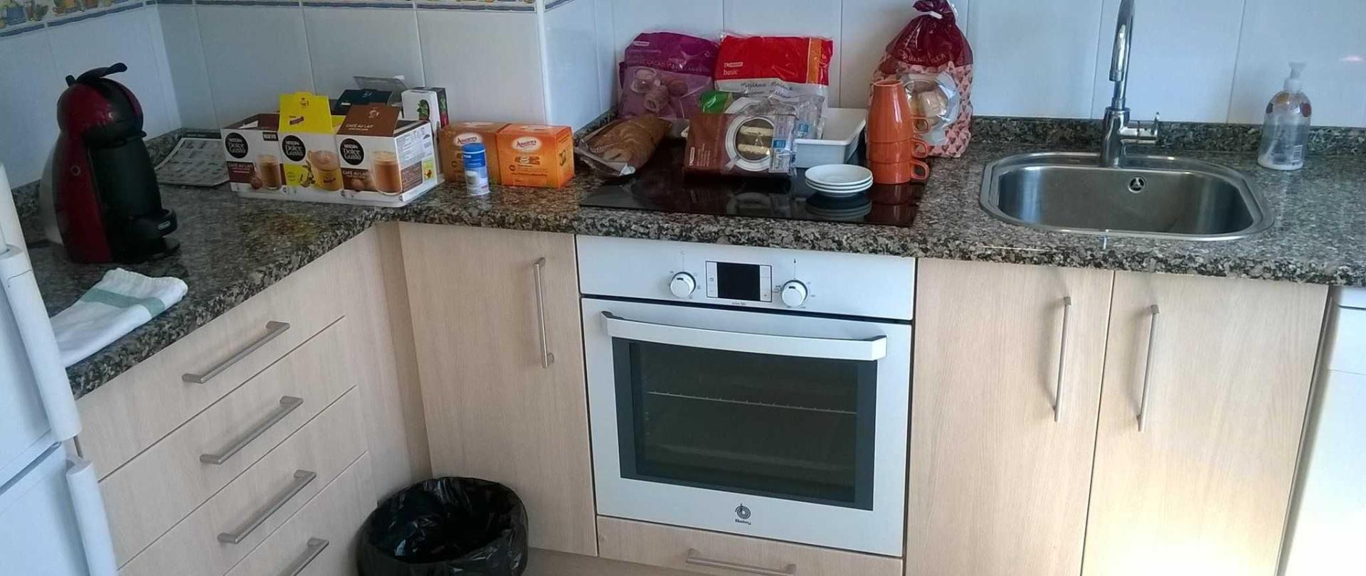 auto-servicio-desayuno-una-capsula-y-bolleria-gratis-1.jpg
