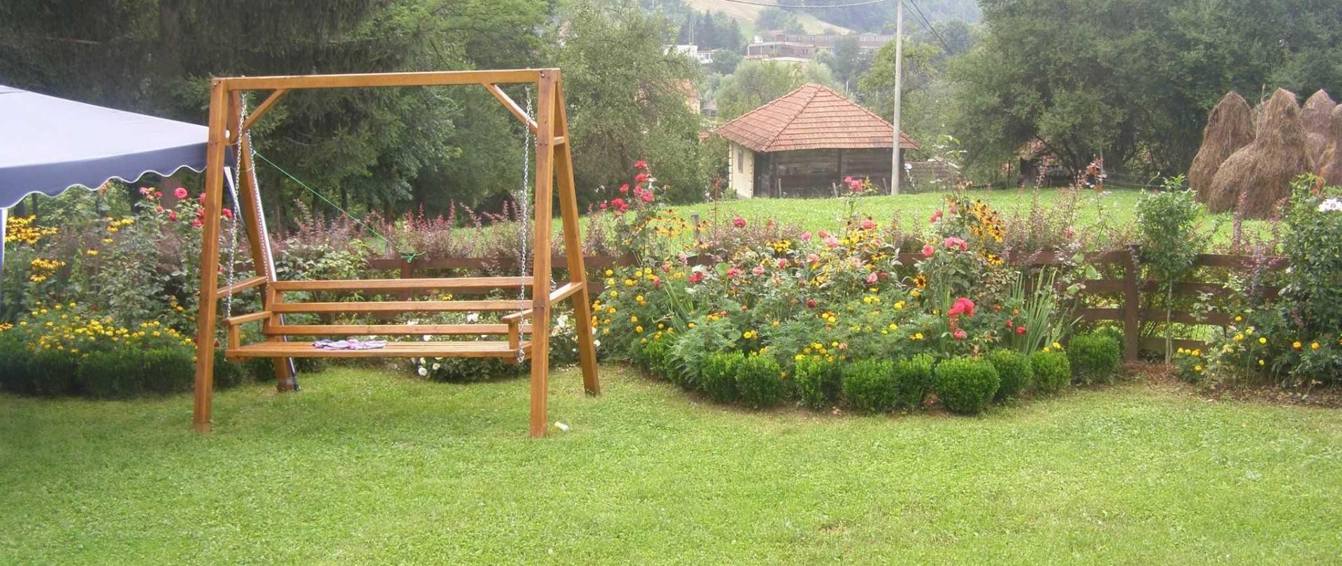 2-main-garden.JPG