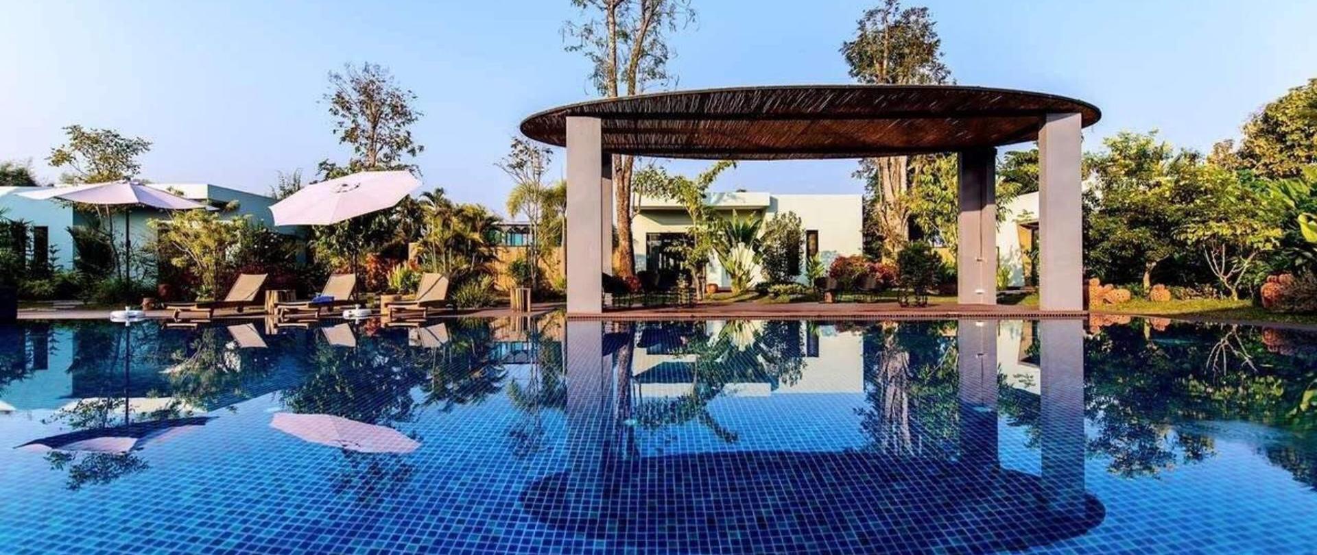 pool-area-3.JPG
