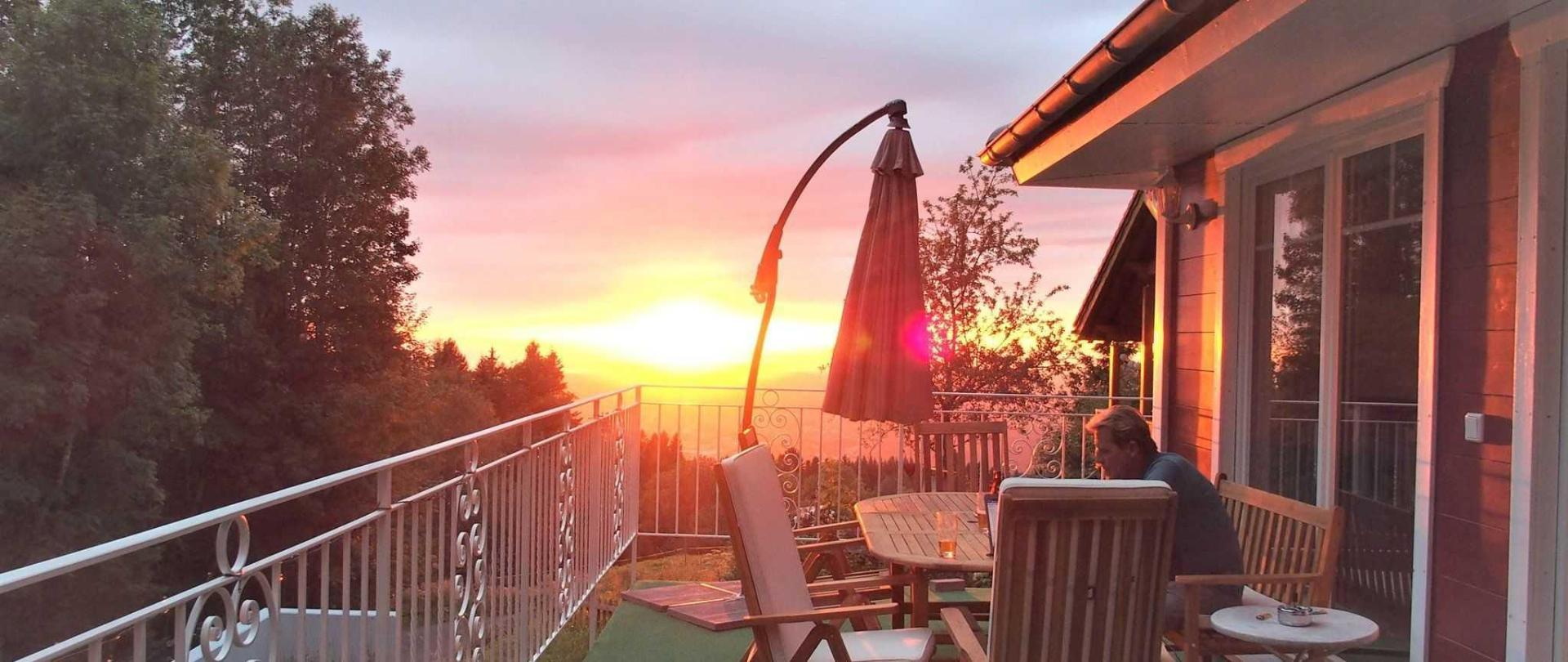 Sonnenuntergang auf der Terrasse im Parterre