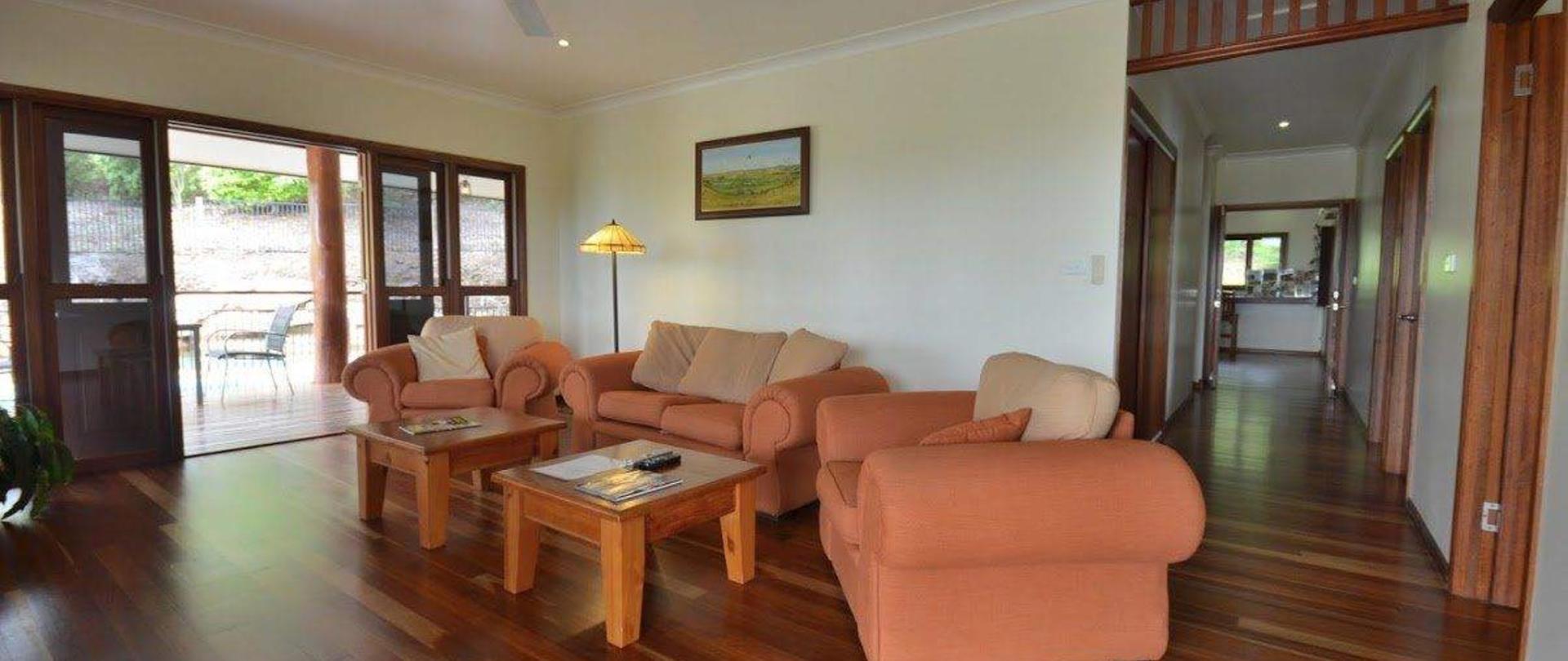 lounge-floor-2.JPG