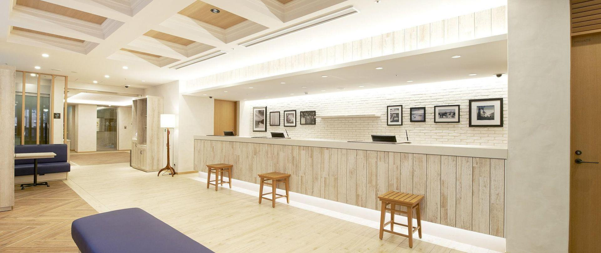 kinshicho_front-lobby_001.jpg