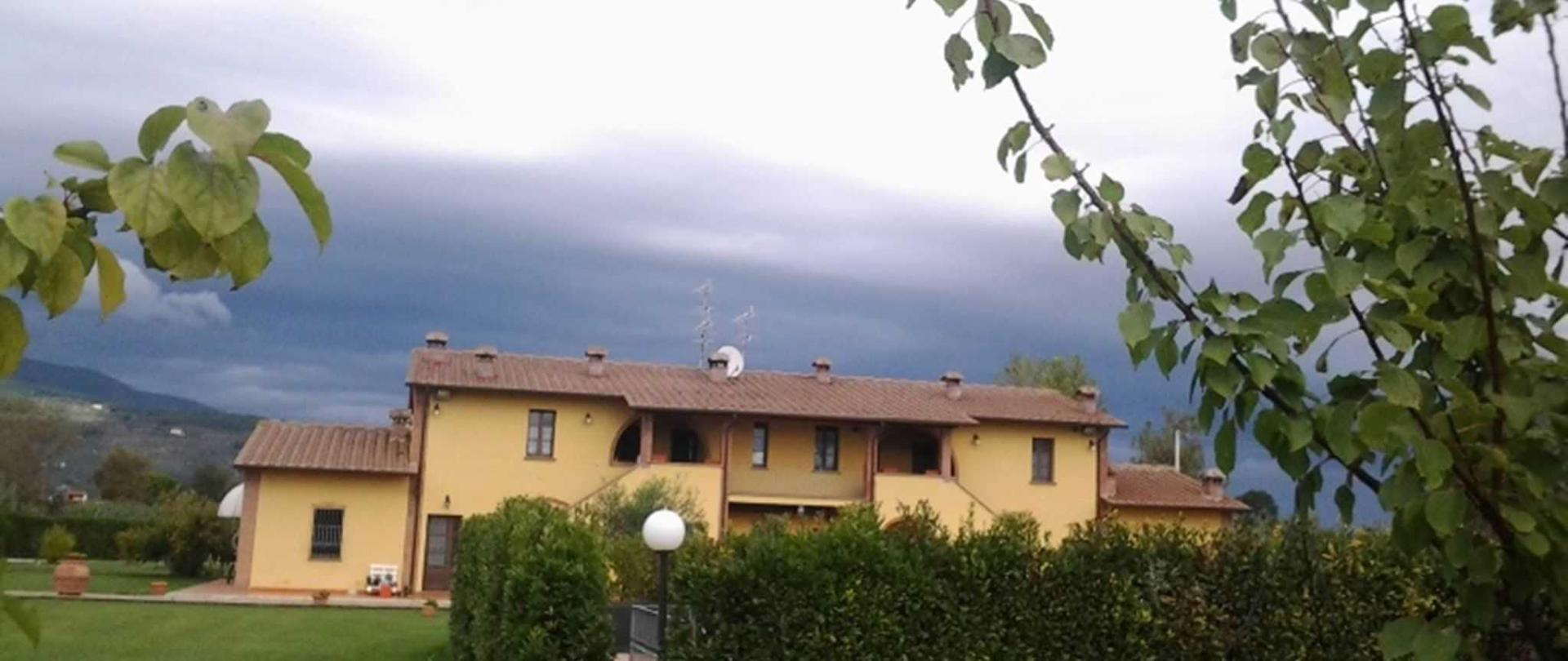 esterno-nuvole-pozzo-1.jpg