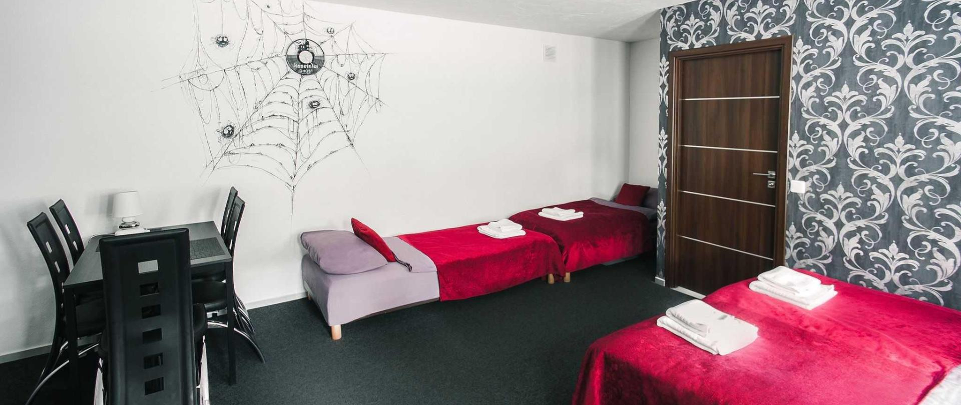 room-cobweb-beds.JPG