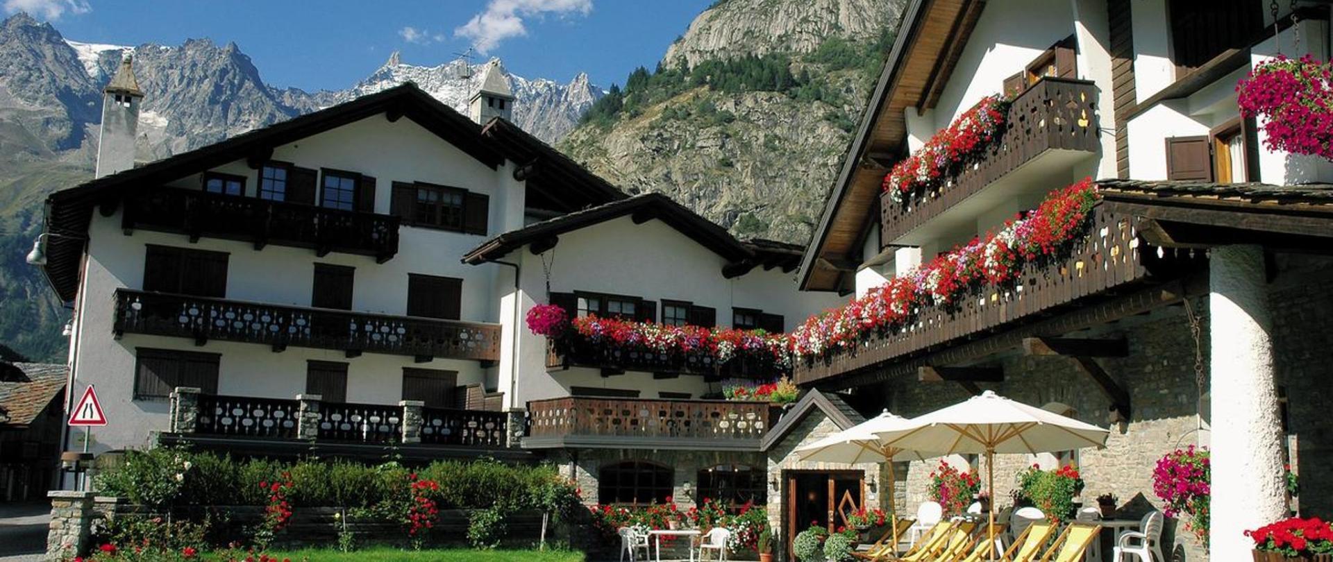 Hotel Del Viale - Sito ufficiale | Hotel a Courmayeur