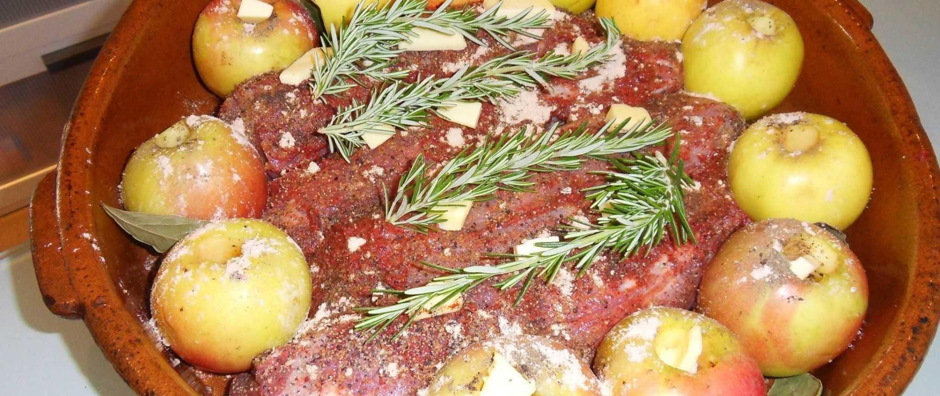 filet-mignon-la-moutarde-aux-moux-de-raisin-et-pommes-1.JPG