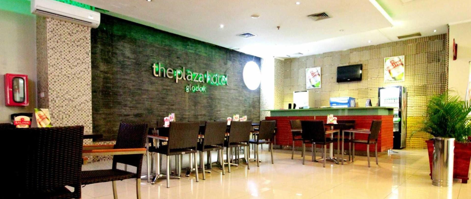 plaza-hotel-glodok-lounge.jpg