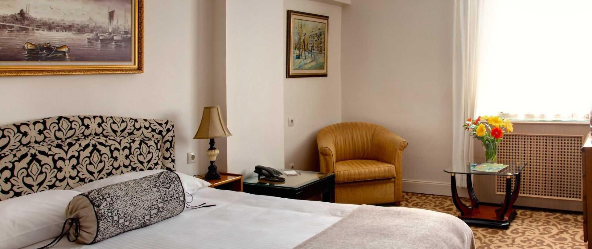 double-room-1-1.jpg