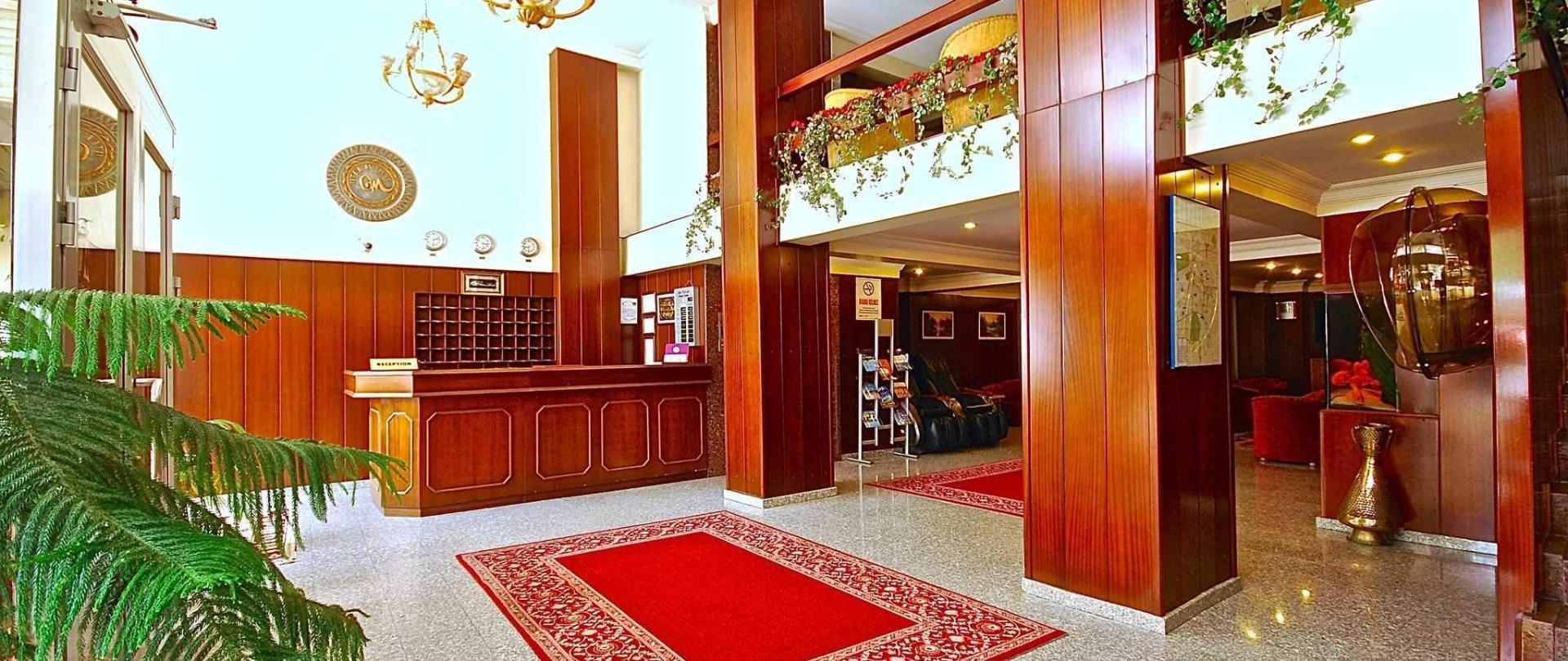 lobby-5-1.JPG