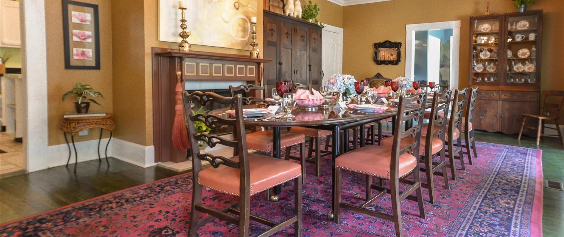 dining-room-01.jpg.1920x0.jpg