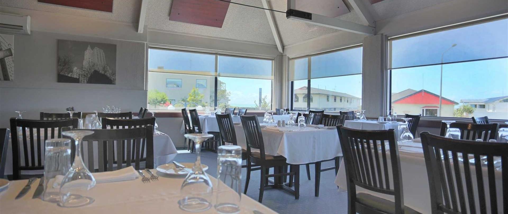 nz147_ch_benvenue_restaurant_view2_241115.jpg.1920x1080_default.jpg