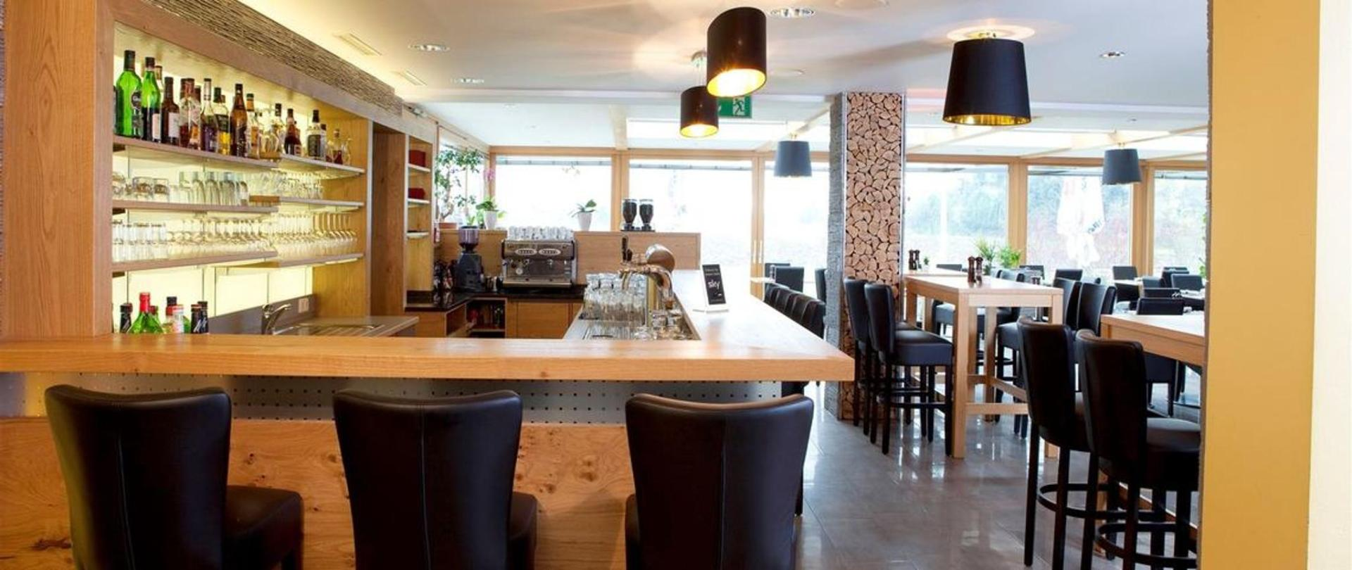 restaurant_bar-kopie.jpg.1140x481_0_185_5937.jpg