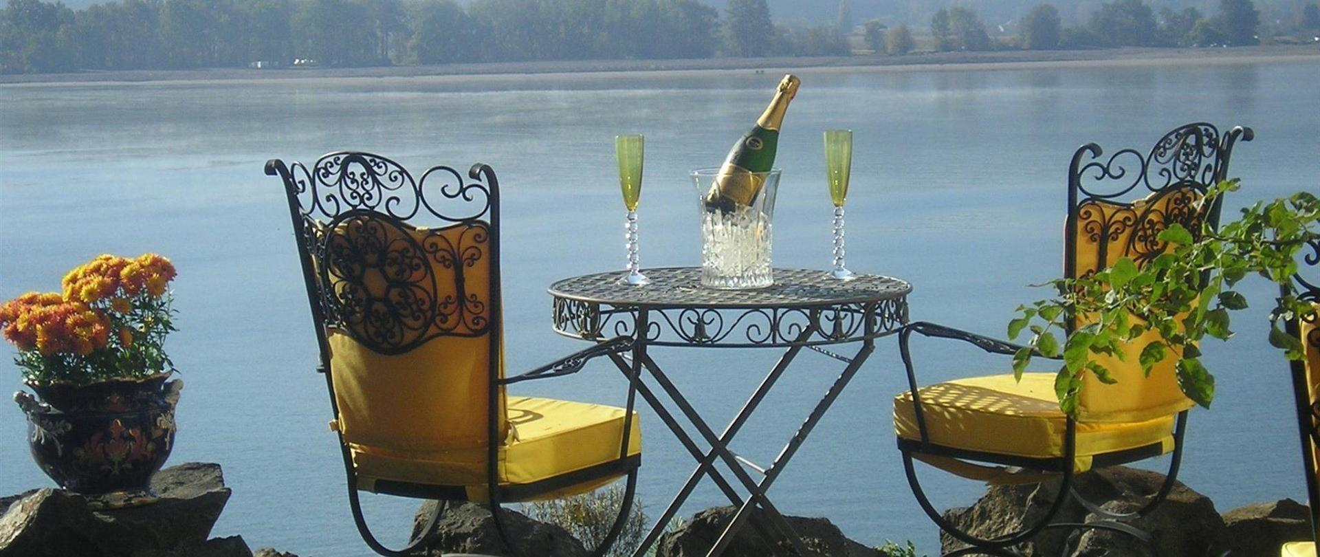 champagne-patio.jpg