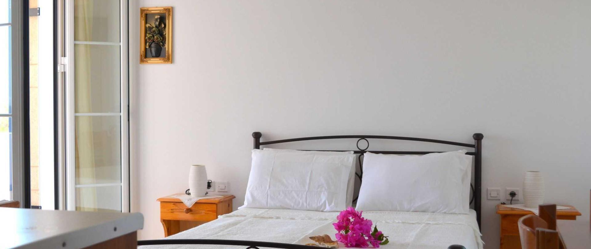 studio-1-bedroom-3.JPG