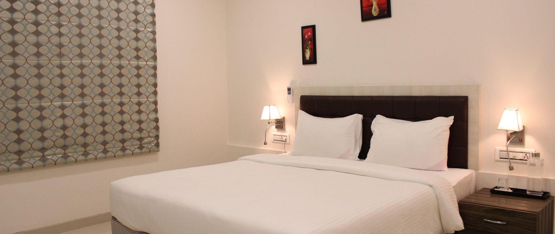 standard-room1.JPG