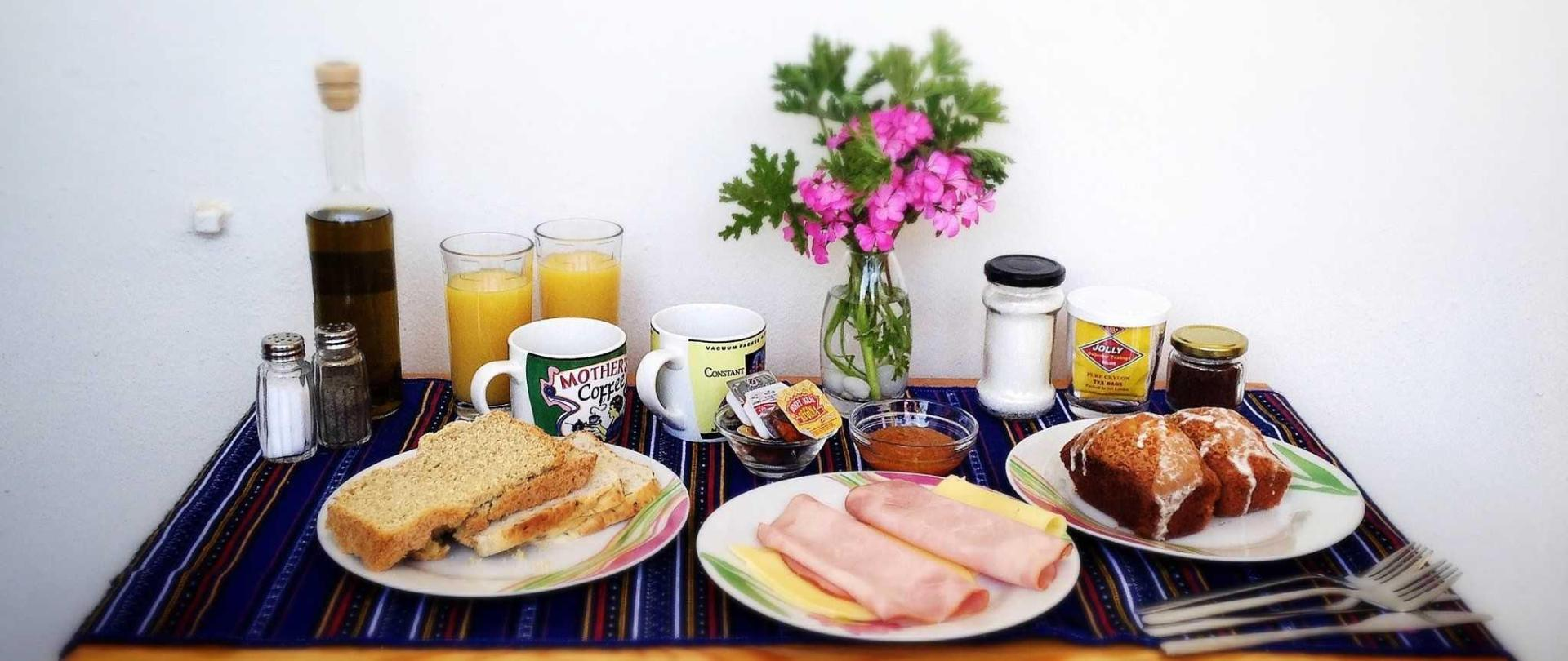 continental-breakfast-platter.JPG