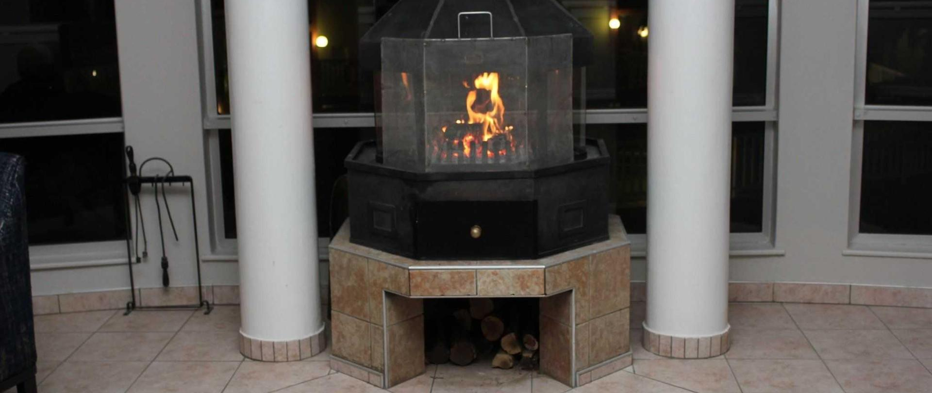 2017-lnh-fireplace.jpg