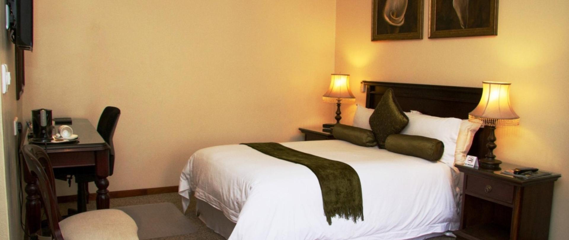 Standard Room (3).jpg