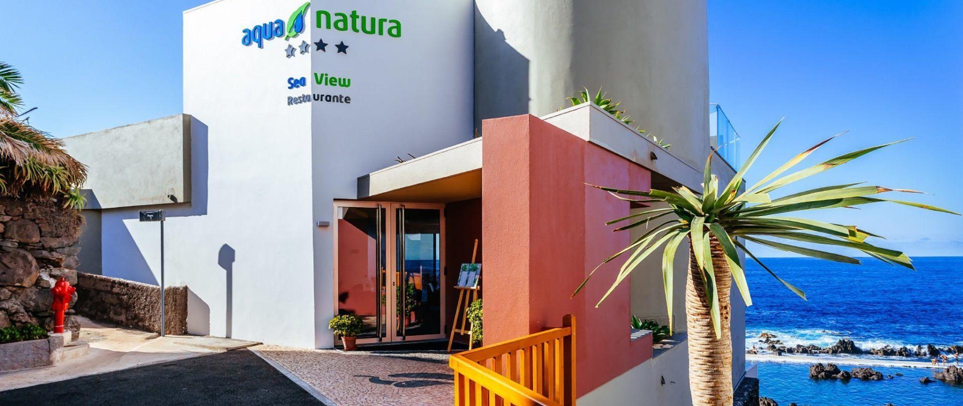 15-hotel-entrance-aqua-natura-1.jpg