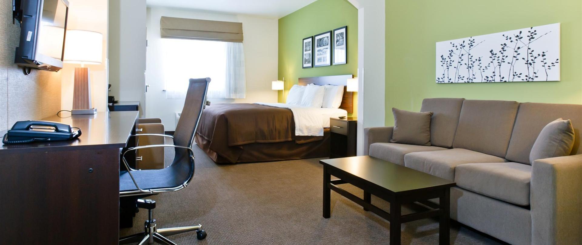 ks148-sleep-inn-king-suite-2.jpg