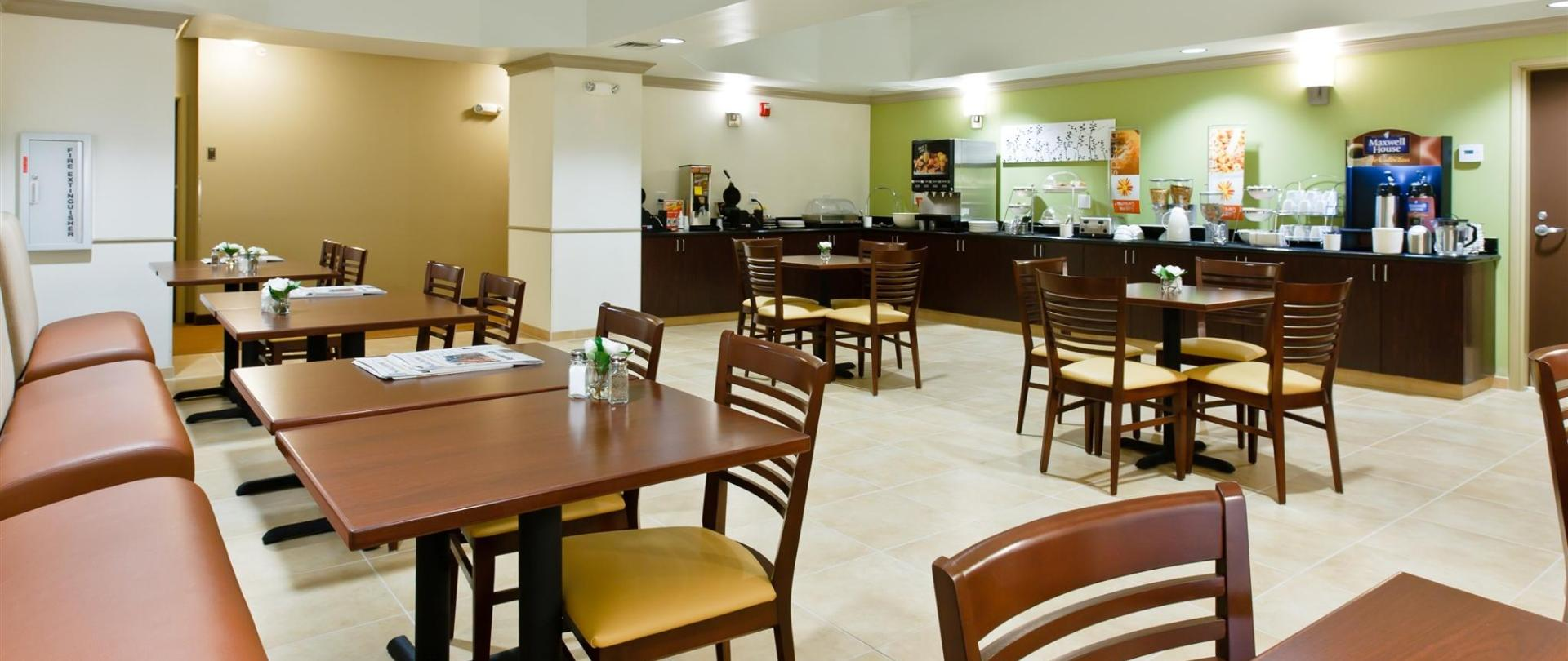 ks148-sleep-inn-breakfast-area-1.jpg