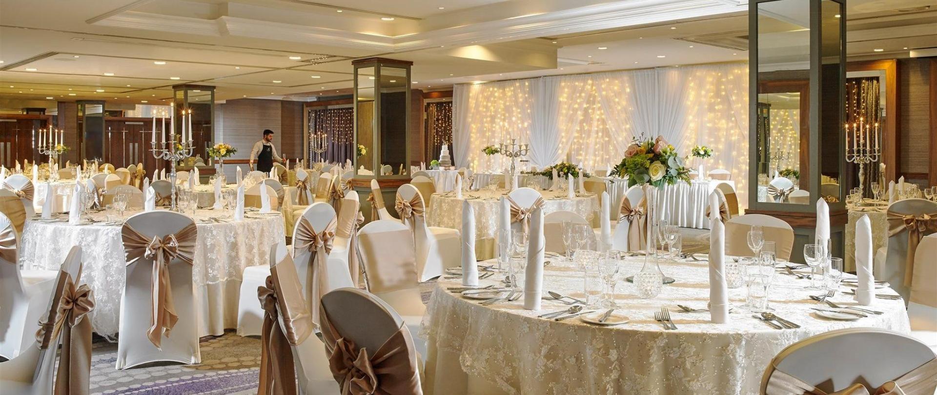 weddings-malone-lodge-hotel-wedding-reception-01.jpg