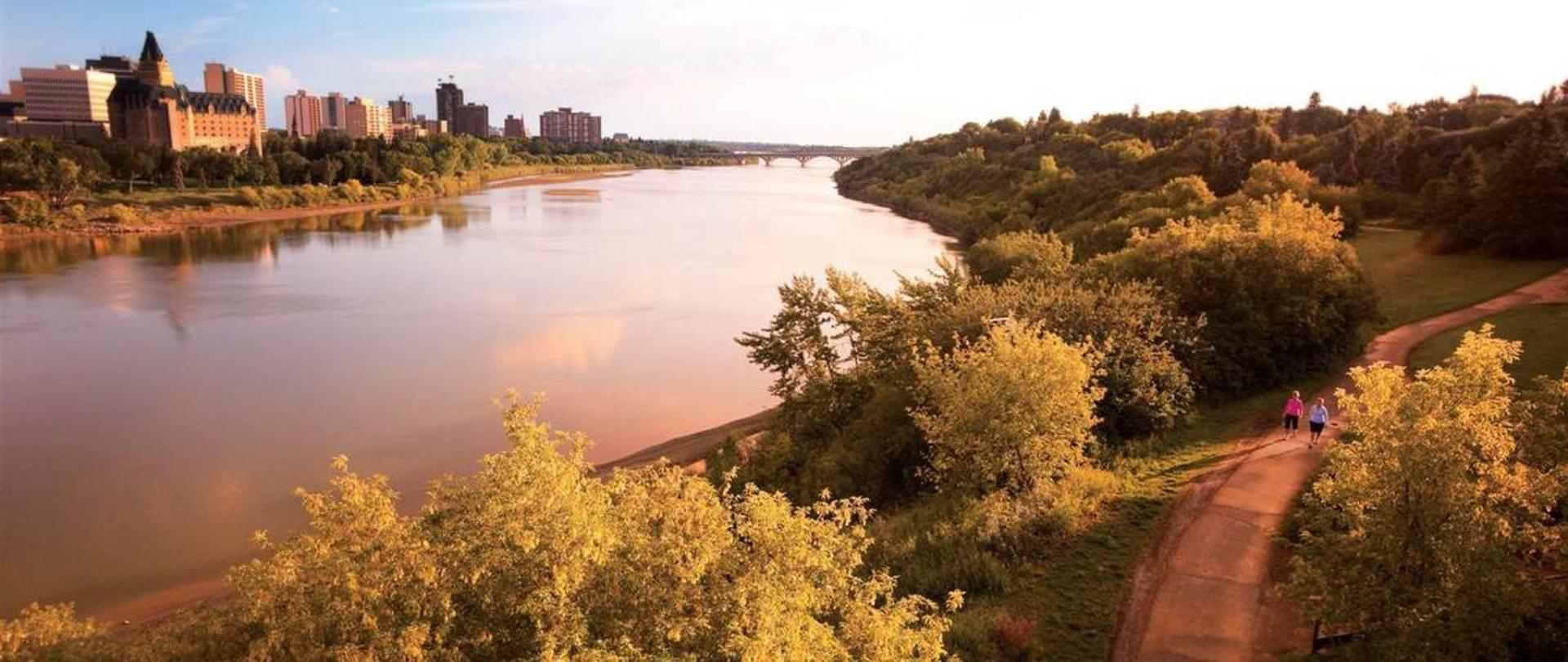 meewasin-valley-trails-along-the-south-saskatchewan-river-compliments-of-tourism-saskatoon.jpg.1140x481_default.jpg