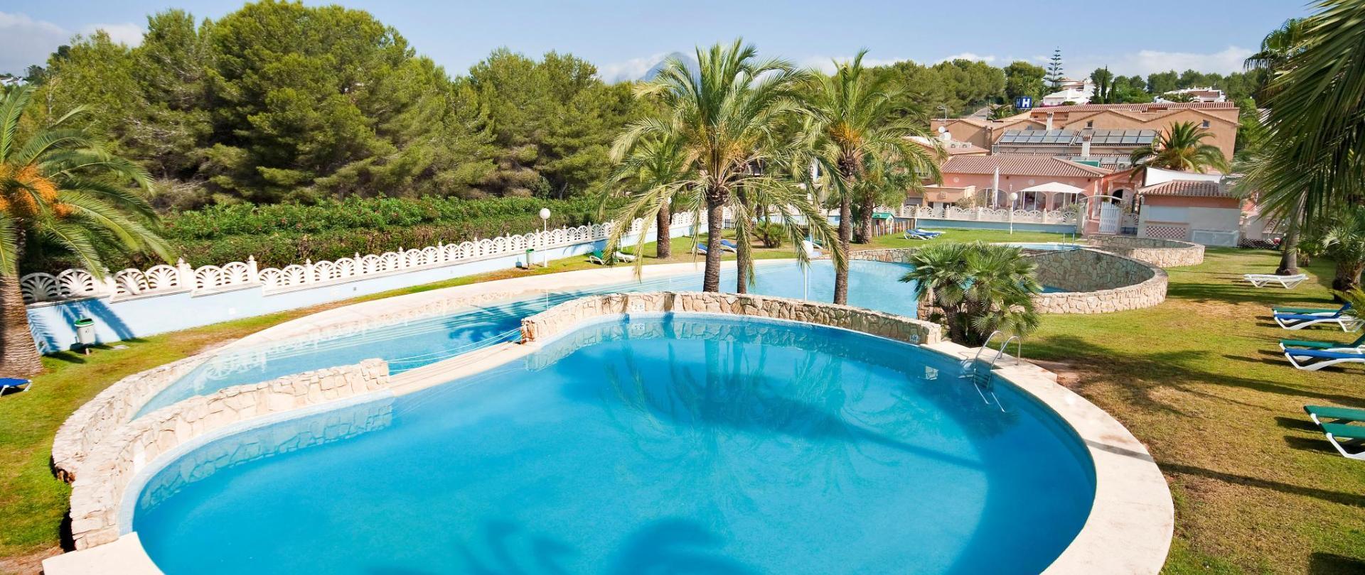 Facilities; Swimming Pool.jpg