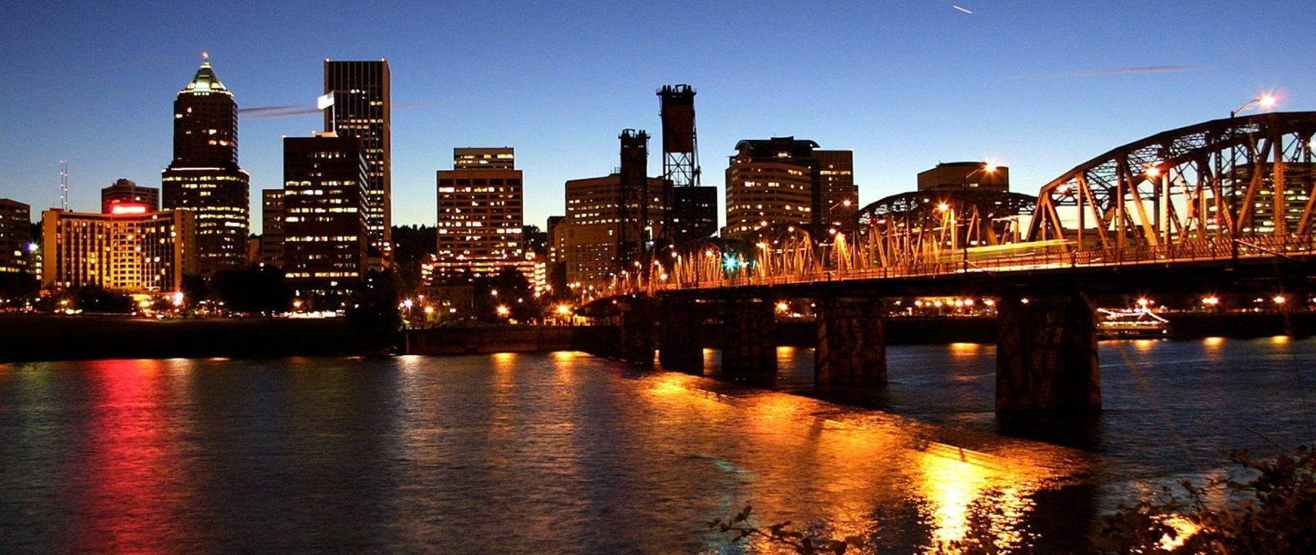 portland-night-skyline-img-4149.jpg