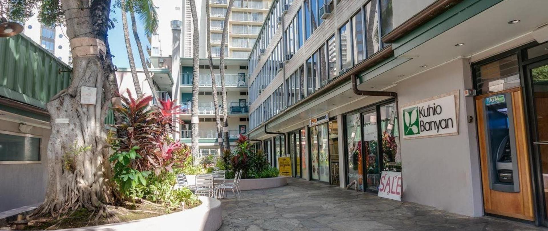 Kuhio Banyan Club | Honolulu | HI – Kuhio Banyan Hotel (with ...