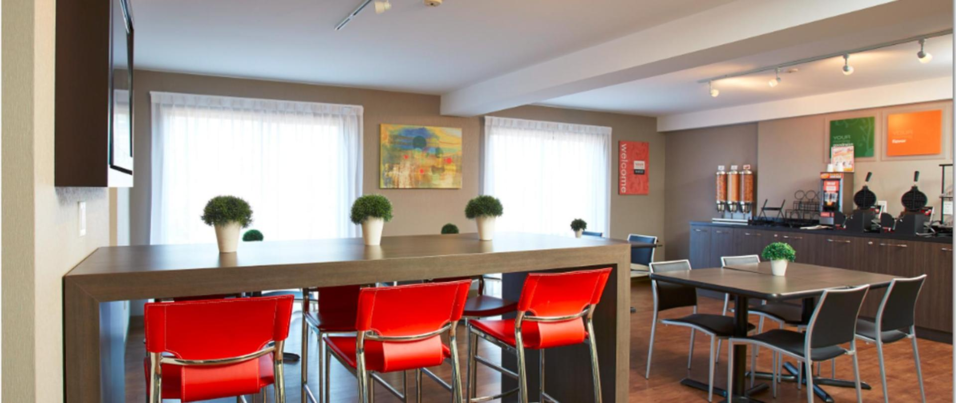 breakfast-room-2-jpg.png.1170x493_default.png