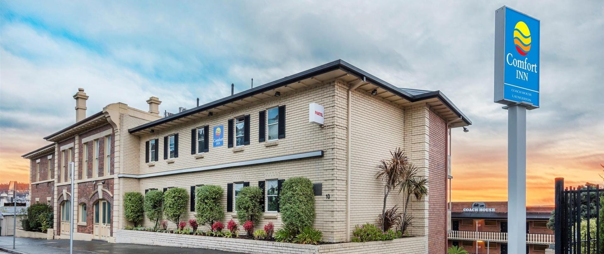 Comfort Inn Coach House Launceston.jpg