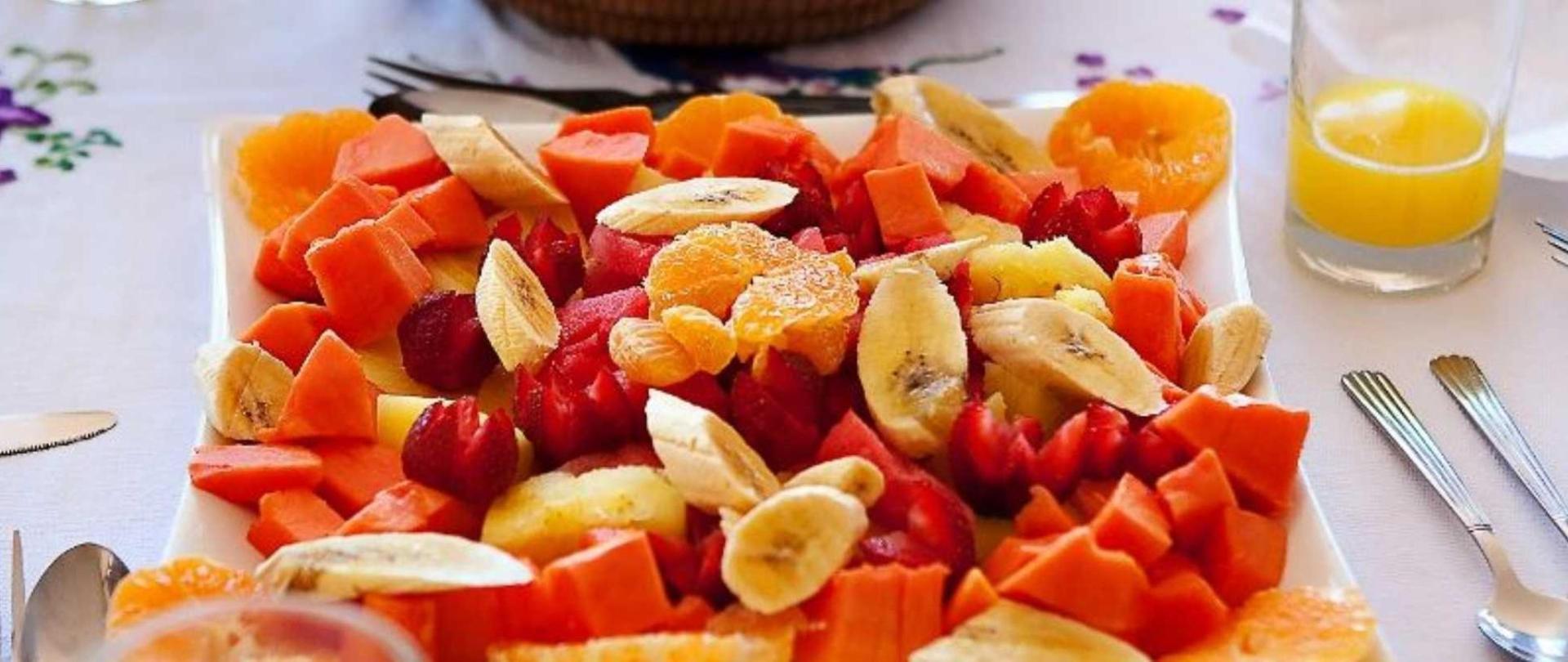 breakfast-fruit-plate1.jpg.1920x807_default.jpg
