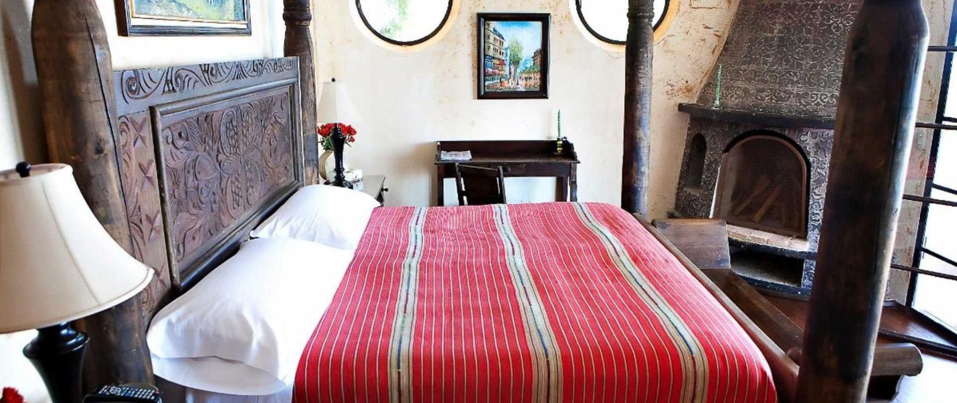 master-bedroom1.jpg.1920x807_default.jpg