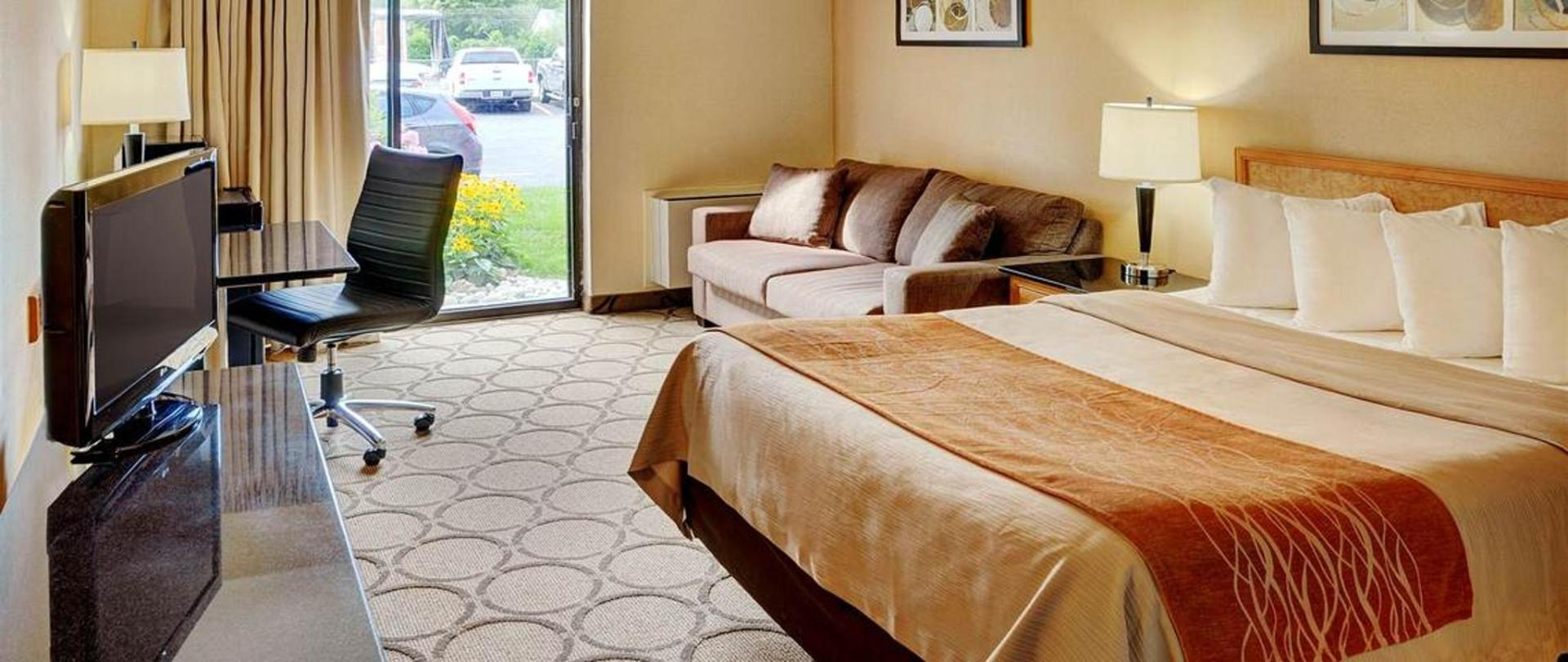 new-spacious-pillowtop-king-guestrooms.jpg.1140x481_default.jpg