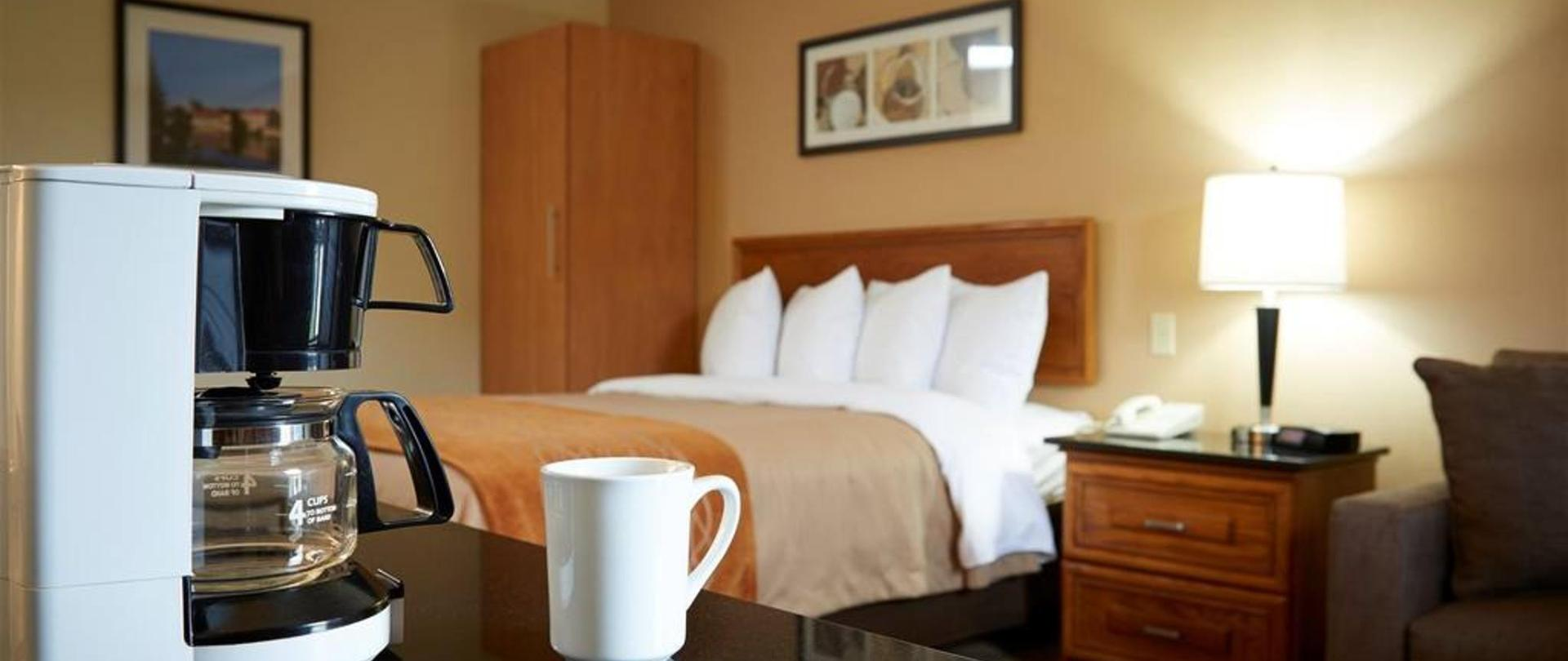 48-enjoy-fresh-in-room-coffee.jpg.1024x0.jpg