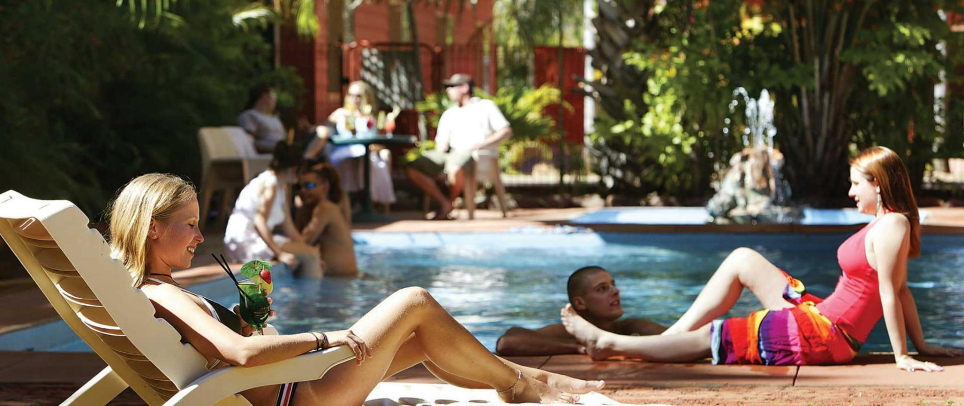 Hotel-Kunurra-Pool-girls.jpg