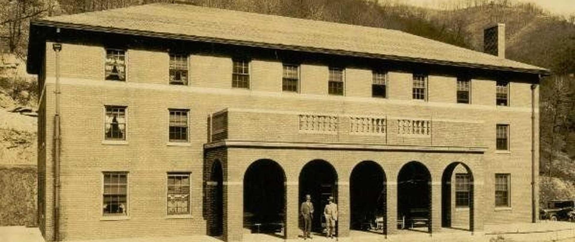 empire-coal-coke-miner-s-clubhouse-1929.jpg.1920x810_0_139_32053.jpeg