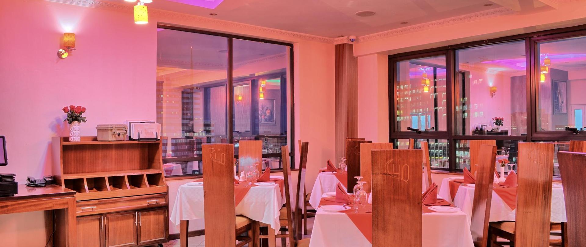 Le restaurant Willow.jpg