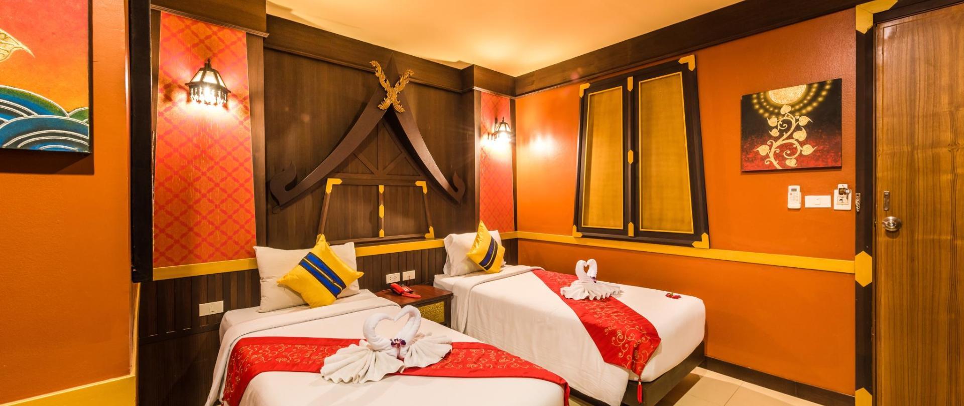 Twin Room with Balcony 4.jpg
