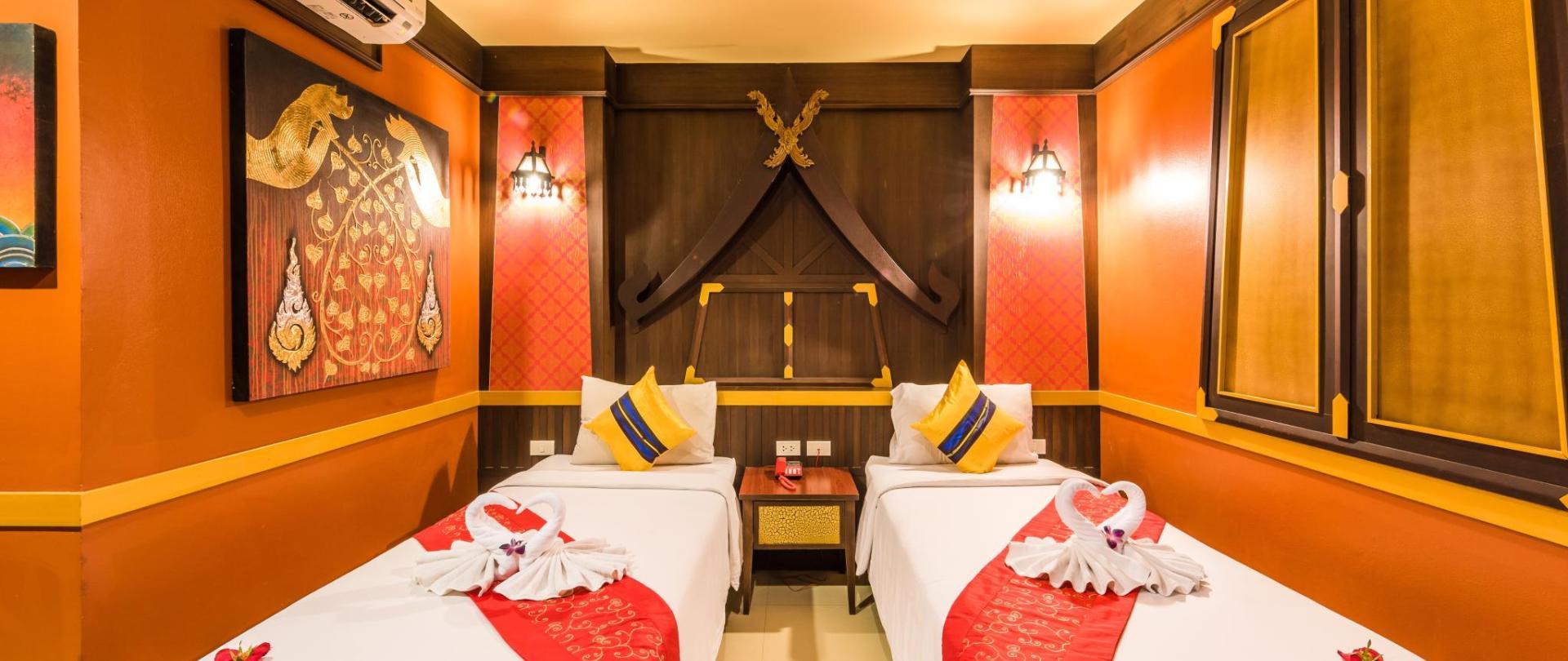 Twin Room with Balcony 6.jpg